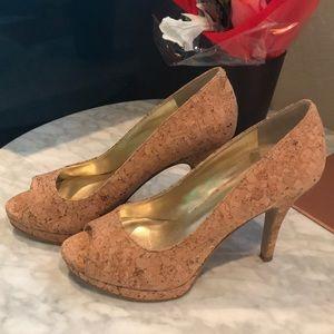 Open-toe cork heels
